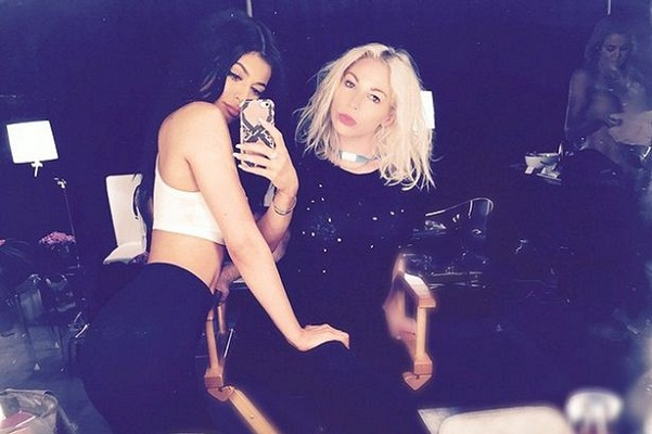Khloe appears 'naked'at the backdrop of Kylie's selfie