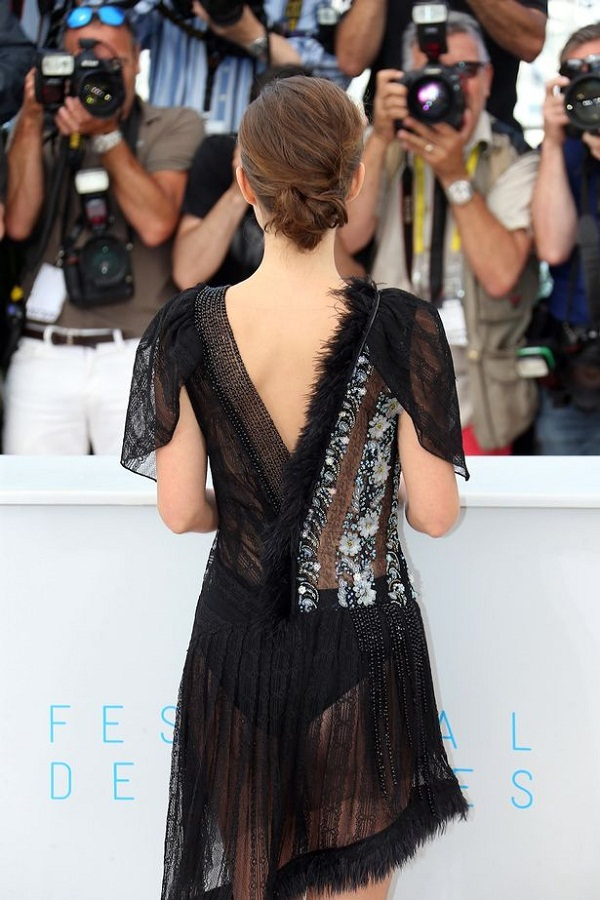 Natalie Portman flashes KNICKERS at Cannes