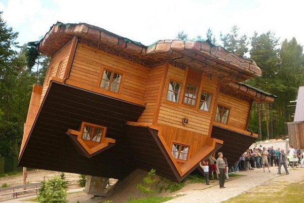 7 WEIRD LOOKING HOUSES 4