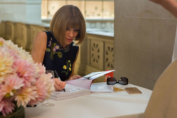 300 people came across to the met for catching up with Anna Wintour